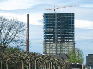 Entkernung eines Bayer-Gebäudes