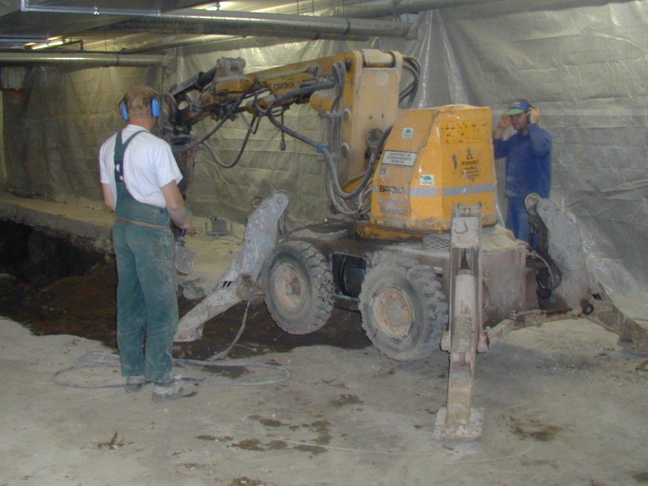 eine unserer Brokk-Abbruchmaschinen im Einsatz