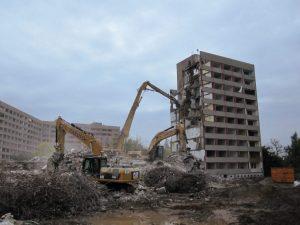 Rückbau eines mehrgeschossigen Wohnblocks