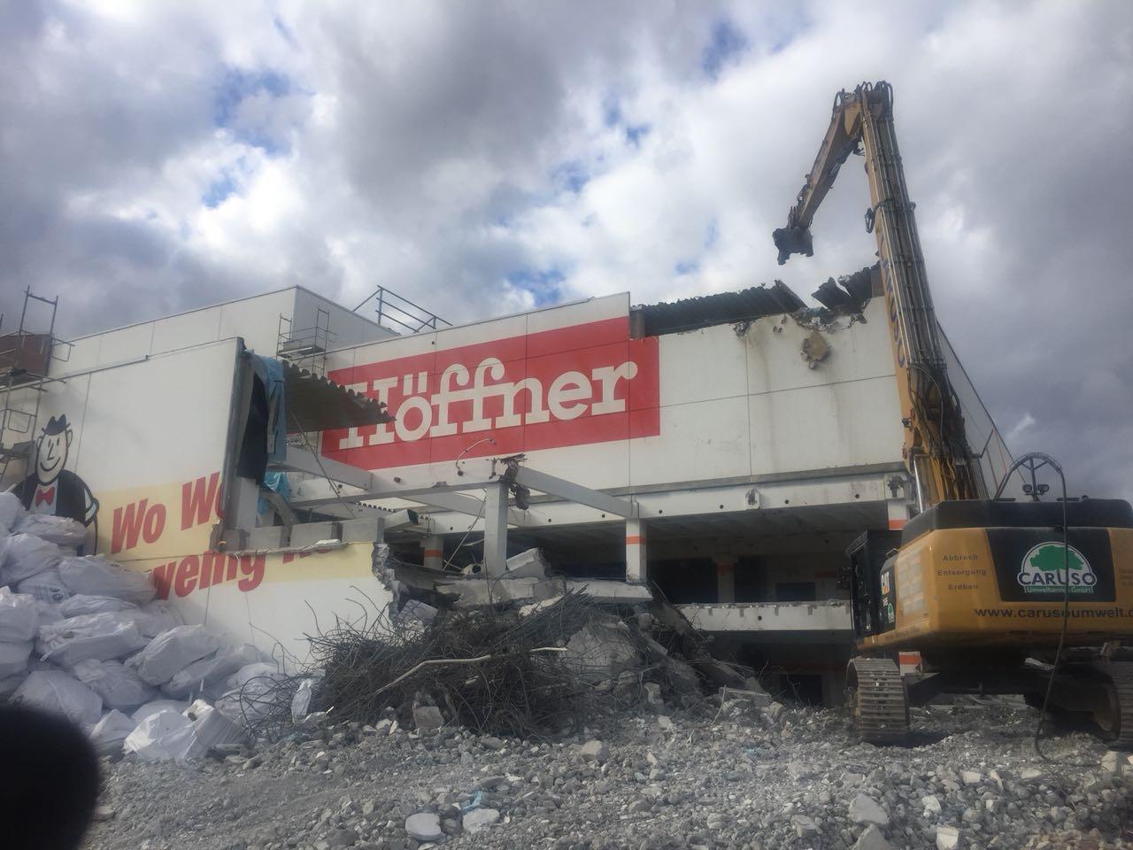 Abbruch und Entkernung Möbel Höffner in Schwetzingen