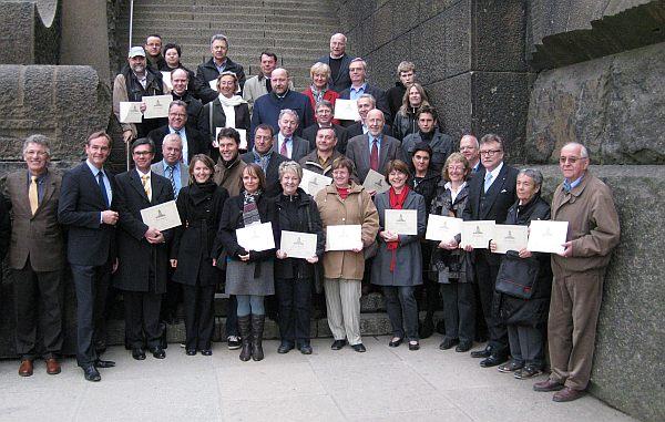 Stifter und Gäste des Förderverein Völkerschlachtdenkmal mit ihren Stifterbriefen
