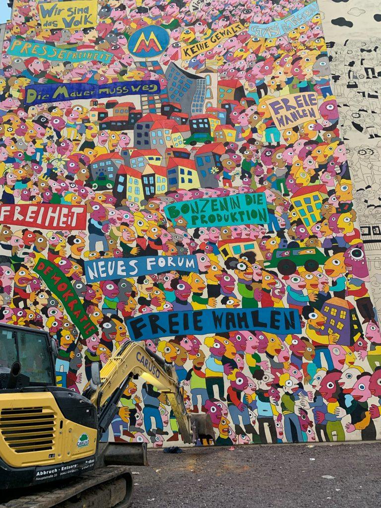 Bagger vor Künstler Michael Fischer-Art Kunstwerk