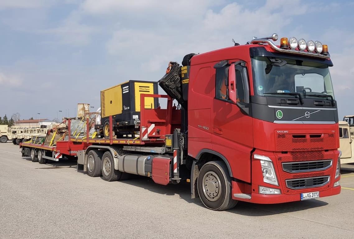 Transport von Baumaschine